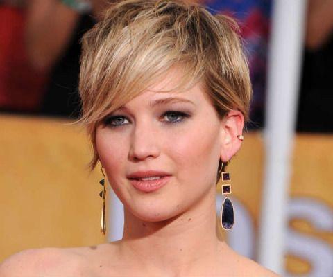 Ear, Lip, Earrings, Hairstyle, Skin, Chin, Forehead, Eyelash, Eyebrow, Style,