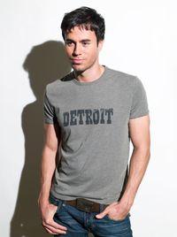 <p>Enrique posing, again. </p>