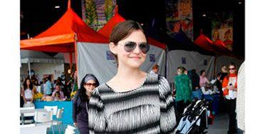 Eyewear, Glasses, Vision care, Textile, Sunglasses, Outerwear, Bag, Dress, Style, Street fashion,