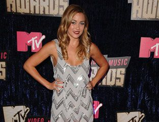 Lauren Conrad arrives at the 2007 MTV Video Music Awards.