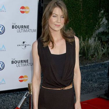 """Grey's Anatomy"" star Ellen  Pompeo strolls the red carpet at the ""Bourne Ultimatum"" premiere in L.A."