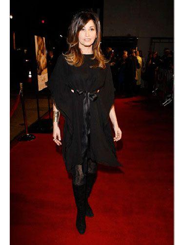 Dress, Flooring, Carpet, Fashion, High heels, Fashion model, Long hair, Fur, Little black dress, Street fashion,