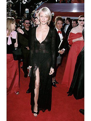 Dress, Outerwear, Formal wear, Style, Suit, Fashion accessory, Fashion, Carpet, Premiere, Blazer,