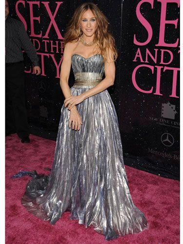 Clothing, Human, Dress, Shoulder, Flooring, Formal wear, Premiere, Style, Carpet, Gown,