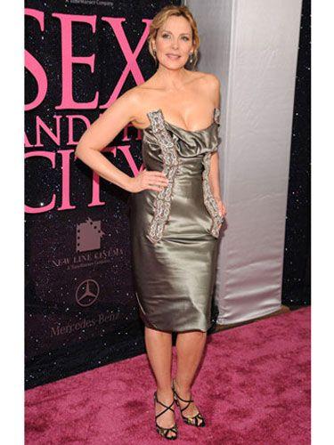 Clothing, Dress, Shoulder, Joint, Flooring, Style, Strapless dress, Cocktail dress, Waist, One-piece garment,