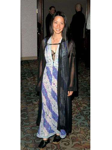 Textile, Dress, Formal wear, Fashion, Electric blue, Door, Cobalt blue, Street fashion, One-piece garment, Necklace,