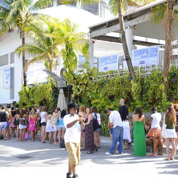 Girls lined up as early as 6 a.m. to get into the bash and be in the photo shoot.<br /><br />