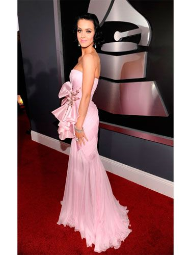 This Grammy nominee was pretty in pink in a ruffled gown by Basil Soda.
