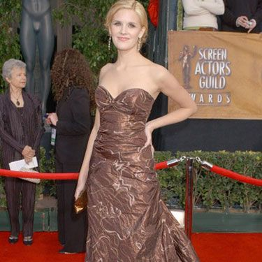 At the SAG Awards, Maggie goes for earth tones in this chocolate-colored gown.