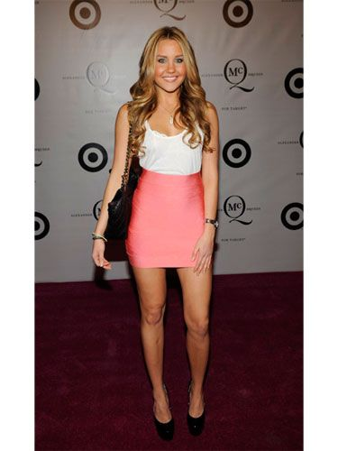 Amanda hit the mark in a flirty tank and pink mini at the McQ Alexander McQueen for Target launch party.
