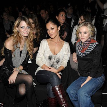 <i>Gossip Girl</i> Kristen Bell got to talking with Minka and Mischa at the Miss Sixty show.