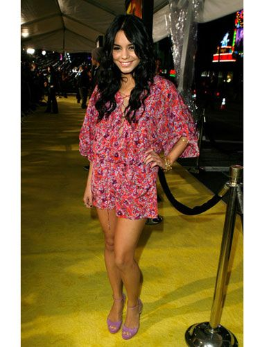 Vanessa is already set for spring in a floral jumper at the <i>Watchmen</i> premiere.