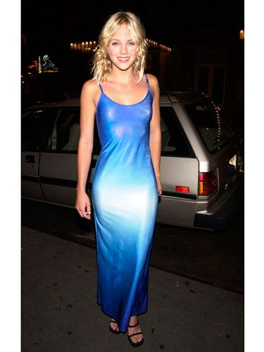 The actress stepped out for the premiere of <i>Scary Movie</i> in a simple but fashion-forward blue gown.