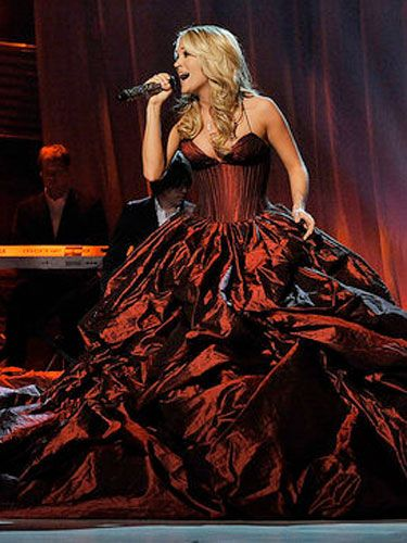 This über-dramatic Rafael Cennamo dress had the crowd buzzing about Carrie.
