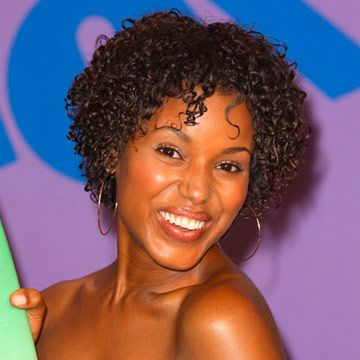 Kerry looked super-cute back in '01 with tons of short, springy curls.