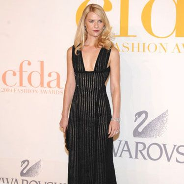 The actress oozed sexiness in a summery black maxi dress by Narciso Rodriguez.
