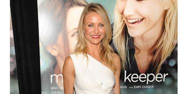 At the Hollywood premiere of her new film, <i>My Sister's Keeper,</i> the golden  girl sported a white origami-inspired dress by J. Mendel.
