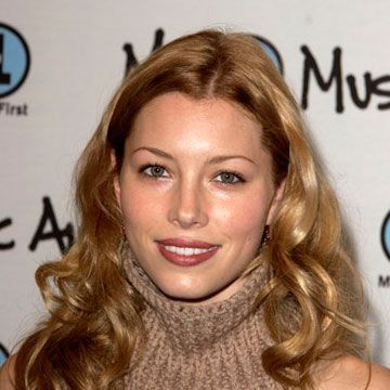 Jessica sported light blond curls during her last year as Mary Camden on the TV show <em>7th Heaven.</em>