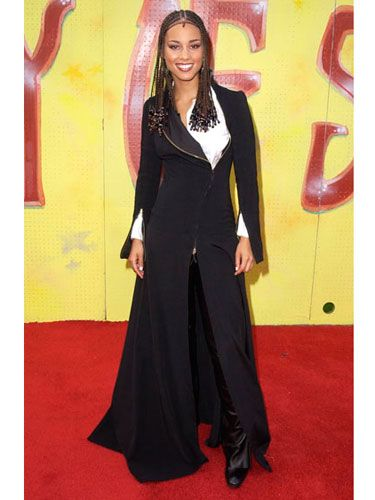The songstress steps onto the scene in a black and white ensemble for the 7th Annual Soul Train Lady of Soul Awards.