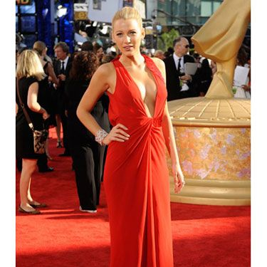 Once again, this Gossip Girl proved why she's our girl crush. She sizzled in a red Versace gown with a very sexy plunging neckline.