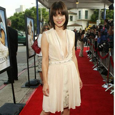 With her silk dress and sleek bob, the actress opted for a subtle and sophisticated look for the premiere of <em>The Notebook</em>. Of course, her best accessory was date and co-star Ryan Gosling.