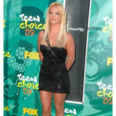 "In a shimmery LBD that showed off her svelte figure, the comeback queen was honored with the ""Ultimate Choice Award."""