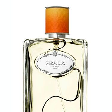 This lush fragrance combines citrus notes from all over the world. 