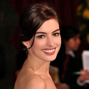 Anne Hathaway has killer lashes. Julie Harris, celebrity makeup artist in New York City, suggests you get her look by first letting your face lotion dry fully before working on your eyes. This way, you prevent smudging. And 