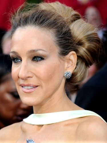 The <i>SATC 2</i> star once admitted that she's very bad with makeup, but she obviously knows a thing or two about hot hair; SJP gave us major extension envy with her voluminous blonde bun.