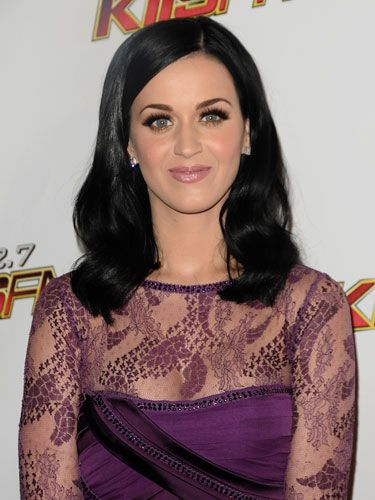 If you have shoulder-length locks like Katy Perry, give them a glam date-night upgrade with some loose waves and a side part.