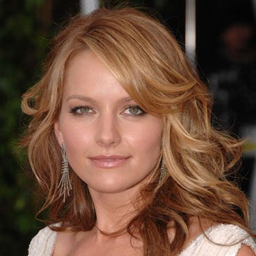 Even the bounciest ringlets can drag on the dance floor. Our pro method will deliver the body and hold you need for an all-nighter.