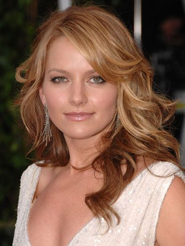 "Even the bounciest ringlets can drag on the dance floor. Our pro method will deliver the body and hold you need for an all-nighter. <br /><br />We love Becki Newton's made-for-dancing hairstyle. Tresemmé celebrity stylist Mara Roszak suggests your prep first by blow-drying wet hair. Then mist a lightweight hair spray all over the top layers. Flip your head upside down to reach the bottom section.<br /><br />See the best <a href=""http://www.totalbeauty.com/content/gallery/best-curly-haircuts"" target=""new"">curly hairstyles</a> right now on Total Beauty"