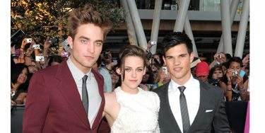 """The hottest Hollywood threesome posed for thousands of screaming Twihards at the LA premiere of <i>Eclipse</i>. For more pics, check out our <a href=""""http://www.cosmopolitan.com/celebrity/red-carpet-dresses/eclipse-premiere-los-angeles"""" target=""""_blank"""">sizzling red carpet gallery</a>."""