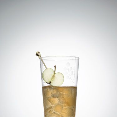 <p>4 oz. applejack<br />