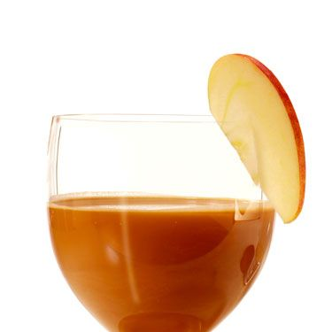 <p>1 oz. apple vodka<br />