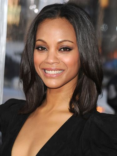 No matter how wicked that whitehead is, our concealment plan will make it disappear — yes, even on a 90-degree date night. <br /><br />To get Zoe Saldana's perfect-looking skin, Clinique makeup artist Nancy Glass suggests putting a thin layer of a complexion-matching cover-up onto a concealer brush (one with point, flat bristles).