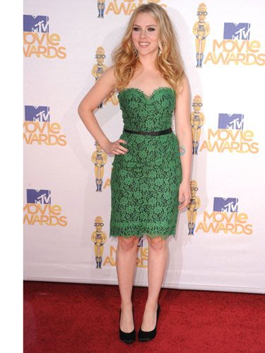 "<a href=""http://www.cosmopolitan.com/celebrity/red-carpet-dresses/mtv-movie-awards-2010-red-carpet"" target=""_blank"">MTV Movie Awards</a>"