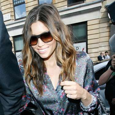 """<a href=""""http://www.cosmopolitan.com/celebrity/exclusive/justin-timberlake-jessia-biel-breakup-photos"""" target=""""_blank"""">Jessica Biel and Justin Timberlake may have just split</a>, but she's not drowning her sorrows in a pint of ice cream and sweats. The actress was spotted flirting with Gerard Butler just a few days after becoming single."""