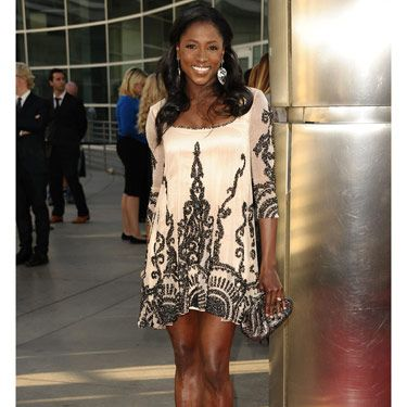 Rutina ditched Tara's Merlotte's uniform and looked fabulous in a beaded mini and super-sexy chain stilettos.