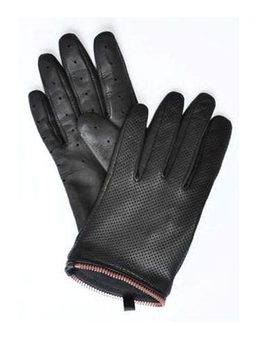 "<p><b>The Donation</b>: 100% of the proceeds go to the Breast Cancer Research Foundation.</p> <p>Mackage Leather Gloves, $95, <a href=""http://www.mackage.com/shop/index.php?menuby=fab&langue=en&devise=USD&genre=unk&coll=FW11&pg=0""target=""_blank"">mackage.com</a></p>"