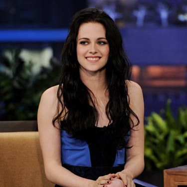 The actress looked sexy in a black and blue color-blocked dress when she stopped by <i>Jay Leno</i>.