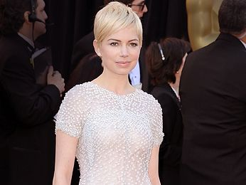 """I do actually like it. It's a tomboy look. The way you wear your hair is about your personality."" -Rob <br /><br /> Pic: <i>Michelle Williams</i>"