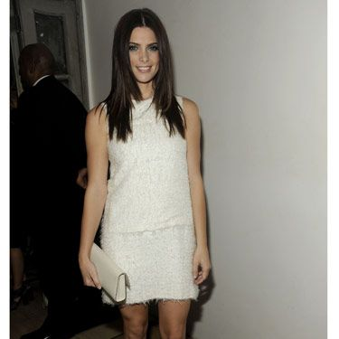 <i>Twilight</i> star Ashley Greene looked stunning in a white shift dress.