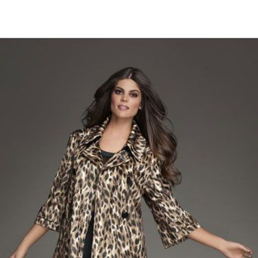 The swingy shape gives this coat a retro, <i>Mad Men</i>-ish vibe while the print is really modern.	<br />
