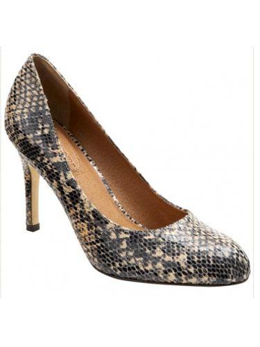 """Corso Como Del Snake Pump, $129, <a href=""""http://shop.nordstrom.com/s/corso-como-del-pump/3186670""""target=""""_blank"""">nordstrom.com</a>"""