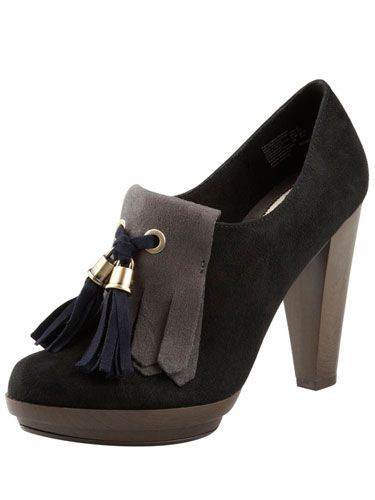 "Women's Fulton Tassel Shootie, $54.99, <a href=""http://www.payless.com/store/product/detail.jsp?catId=&subCatId=&skuId=090169065&productId=70442&lotId=090169&category=&catdisplayName=Womens""target=""_blank"">payless.com</a>"