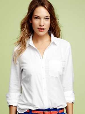 "Or try a fitted Oxford shirt tucked in. This is a proper yet casual look that won't leave you shapeless.<br /><br /> The Perfect Oxford Shirt, $49.95, <a href=""http://www.jdoqocy.com/click-5335060-10420954?url=http%3A%2F%2Fwww.gap.com%2Fbrowse%2Fproduct.do%3Fpid%3D890013012%26tid%3Dgoaff%25zp%26ap%3D2%26siteID%3Dgoafcid150&cjsku=890013012"" target=""_blank"">gap.com</a>"