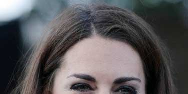 """The salon isn't the only place where you can get a star-worthy blowout. Make it happen at home by following these steps.<br /><br /><p>We love Kate Middleton's high-style, low-fuss look. Celeb hairstylist Guido recommends you prep first by rubbing a thickening lotion, like Redken Fabricate 3 Heat Active Texturizer, $16, <a title=""""redken"""" href=""""http://www.amazon.com/REDKEN-Redken-Fabricate-03/dp/B001AZKQT4"""" target=""""_blank"""">amazon.com</a>, through damp strands. It will give extra grip to your brush so you can create a smooth finish.</p>"""