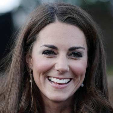 "The salon isn't the only place where you can get a star-worthy blowout. Make it happen at home by following these steps.<br /><br /><p>We love Kate Middleton's high-style, low-fuss look. Celeb hairstylist Guido recommends you prep first by rubbing a thickening lotion, like Redken Fabricate 3 Heat Active Texturizer, $16, <a title=""redken"" href=""http://www.amazon.com/REDKEN-Redken-Fabricate-03/dp/B001AZKQT4"" target=""_blank"">amazon.com</a>, through damp strands. It will give extra grip to your brush so you can create a smooth finish.</p>"