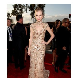 Taylor usually opts for something girlie&#x3B; this sexier-than-usual look by Zuhair Murad was simply stunning.